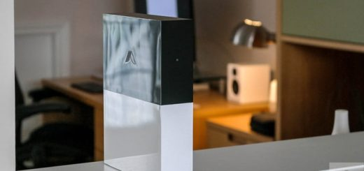 abode starter kit review upright front
