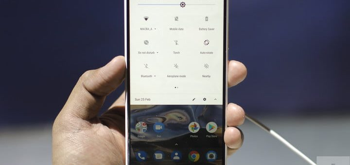 Nokia 7 Plus Hands-On | Front of the phone showing the settings bar in the notification menu